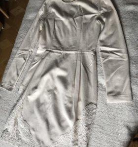 Тёплое платье с кружевной отделкой!