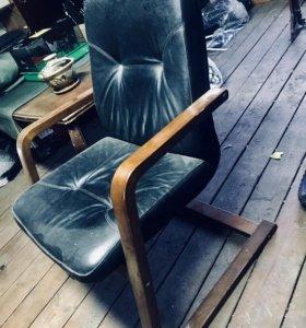 Кресло кожаное массив юнитекс