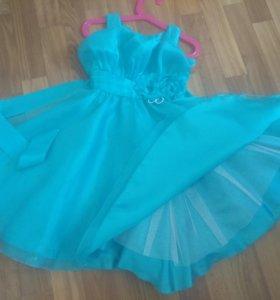 Платье на девочку 100-110