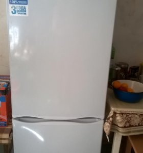 новый (на гарантии) холодильник
