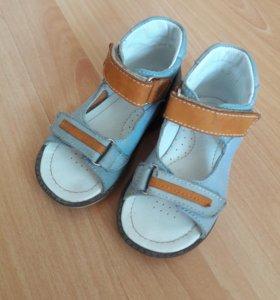 Ортопедическая кожаные сандалии