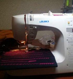 Продам швейную машинку JUKI