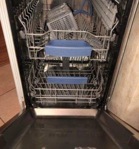 Встраиваяемая посудомоечная машина