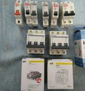 Автоматы,ламочки светодиодные,контакторы, реле.