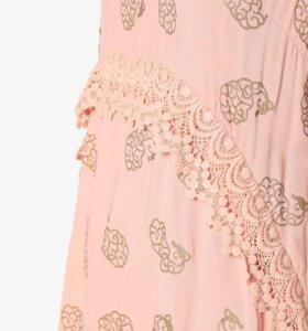 Персиковое платье из вискозы