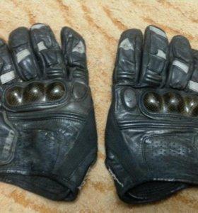 Перчатки Dainese кожаные