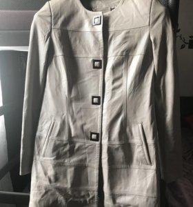Кожаный плащ, куртка