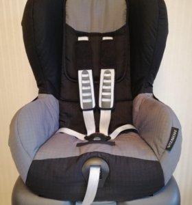 Автомобильное кресло Britax Romer Lord