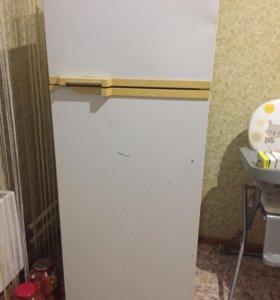 Требует заправки ФРИОНА Холодильник