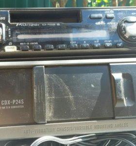 CD чейнджер Пионер на 6 дисков+автомагнитола Пионе