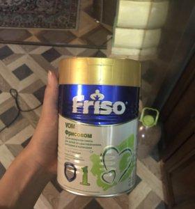Молочная смесь Friso 1