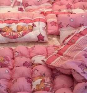 Комплект в детскую кроватку( Новый)