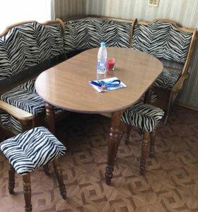 Кухонный мягкий уголок/стол