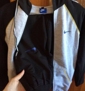 Спорт костюм. Nike.