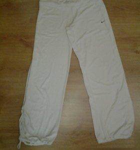 Спортивные штаны и майка р46