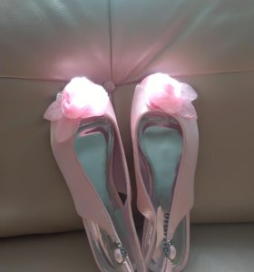 Балетки босоножки розовые 39 размер новые