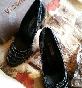 Туфли лакированные в ретро стиле