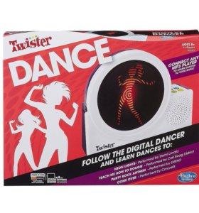 Музыкальная игрушка Hasbro Twister школа танцев
