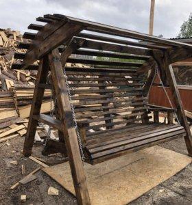 Садовые деревянные качели-диван