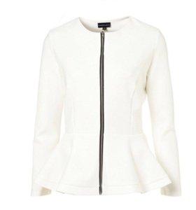 Пиджаки, белый и чёрный
