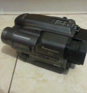 Видеокамера Panasonic.