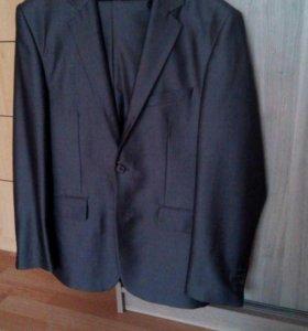 Мужской костюм. размер 50-52