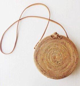 Продам сумку ручной работы с бали из ротанга