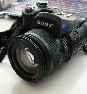 Профессиональный фотоаппарат Sony Cyber-shot DSC
