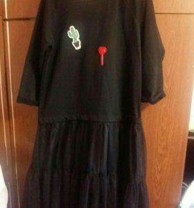 Чёрное платье с кружевами