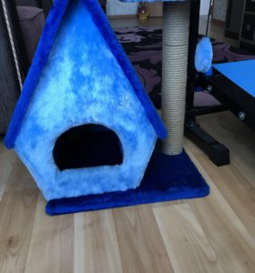 Домик  с когтеточкой для котов