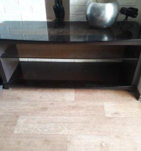 Столик по телевизор