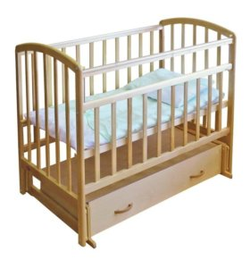 Кроватка детская с маятником и матрасом