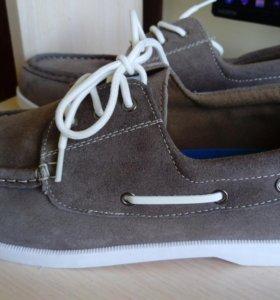 Новые замшевые туфли 45 р