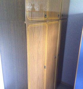 Шкаф 3-ех створчатый