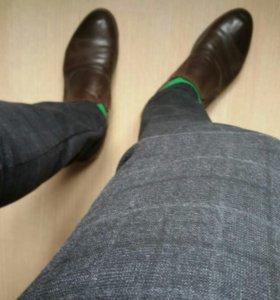 Мужские брюки в клетку.