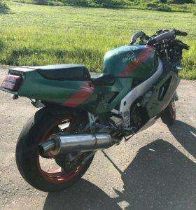 Kawasaki ZXR 750 H1