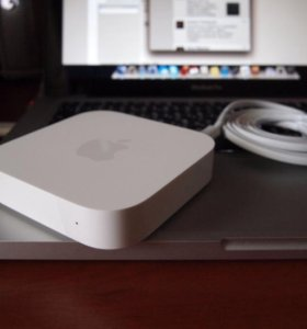 Wi-Fi Роутер Apple AirPort Express MC414RS/A