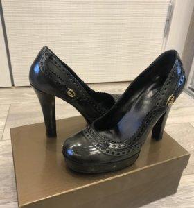 Туфли Gucci оригинал 38 р