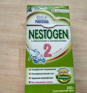 Детская смесь Nestogen 2 / Нестожен 2
