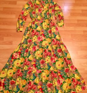 Платье в пол , абсолютно новое .