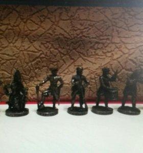 Металлические солдатики