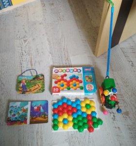 Развивающие игрушки для малыша пакетом