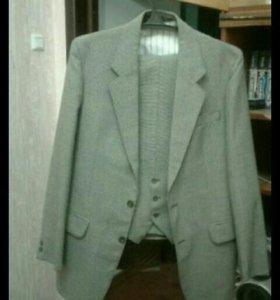 Мужской костюм- тройка