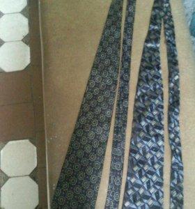 Продам мужские галстуки.