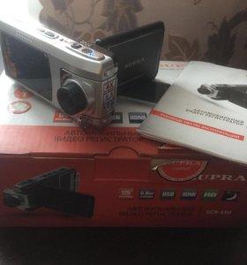 Автомобильный видеорегистратор Supra SCR-550.