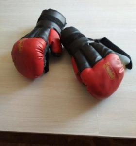 Боксерские перчатки =)