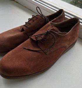 Ботинки новые натуральная замша(италия)