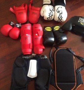 Защита голени, шлем, перчатки