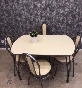 Стол и стулья для дома и кафе