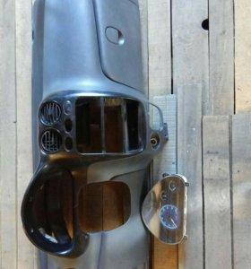 На Matiz панель салона :(торпеда:) с щитком прибор